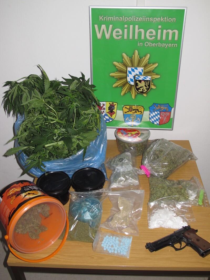 Polizei beschlagnahmt Drogen, © Die beschlagnahmten Drogen - Foto: Polizei