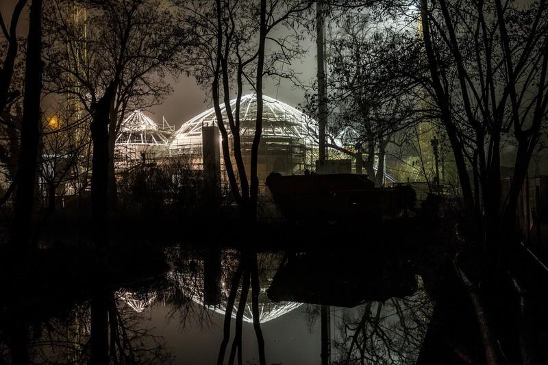Gerüst des Elefantenhaus bei Nacht, © Elefantenhaus bei Nacht - Foto: Tierpark Hellabrunn/Marc Müller