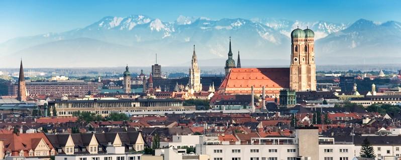 Panoramabild von München , © München - Ein Jahresrückblick