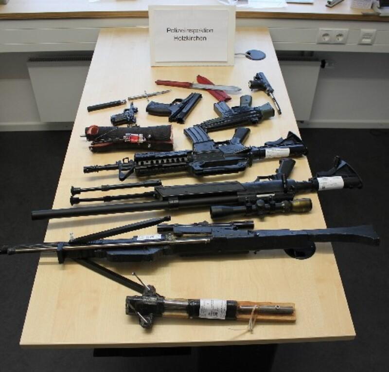 Die beschlagnahmten Waffen , © Die beschlagnahmten Waffen - Foto: Polizei