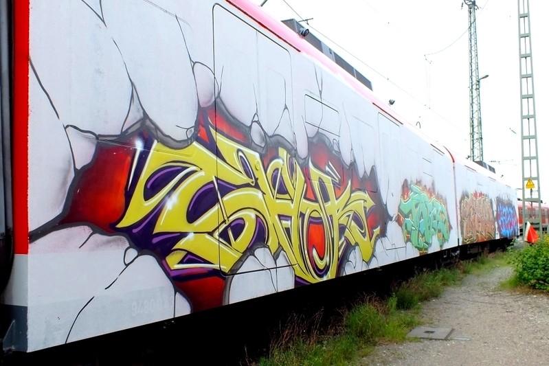 Graffiti auf Münchner S-Bahn, © Graffitisprayer geschnappt - Symbolfoto: Bundespolizei