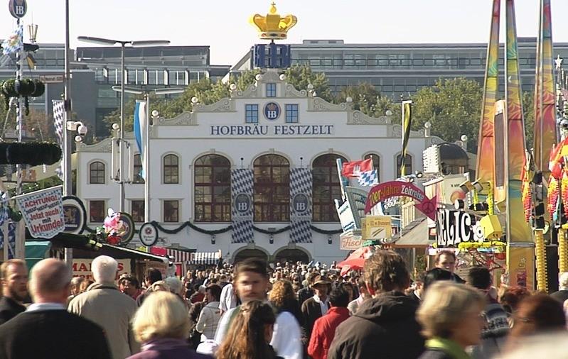 Der Ausblick auf das Oktoberfest - Die Münchner Wiesn bei Traumwetter