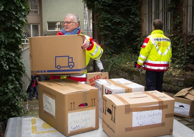 SPD-Politiker Pfaffmann packt mit an, © SPD-Politiker Pfaffmann packt mit an Quelle: SPD
