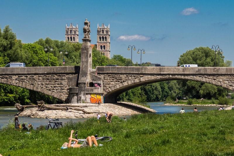 Ein perfekter Tag um an der Isar oder im Biergarten in München zu entspannen., © Foto: Andy Ilmberger/ Fotolia.com