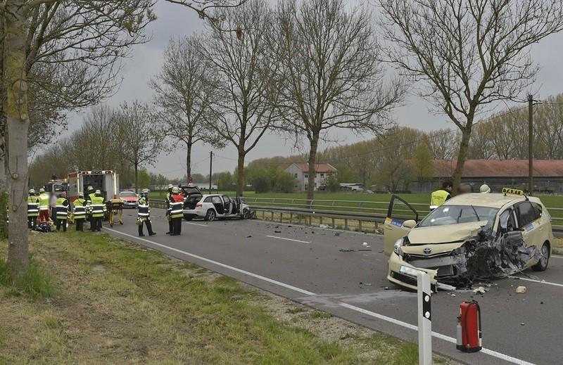 Unfall auf Freisinger Landstraße, © Foto: Berufsfeuerwehr München