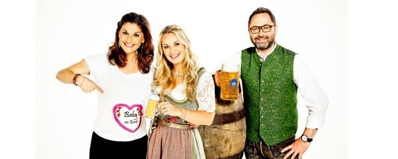 © Die Wiesn-Moderatoren: Marion Schieder, Eva Grünbauer und Alex Onken - Foto: Dominik Münich