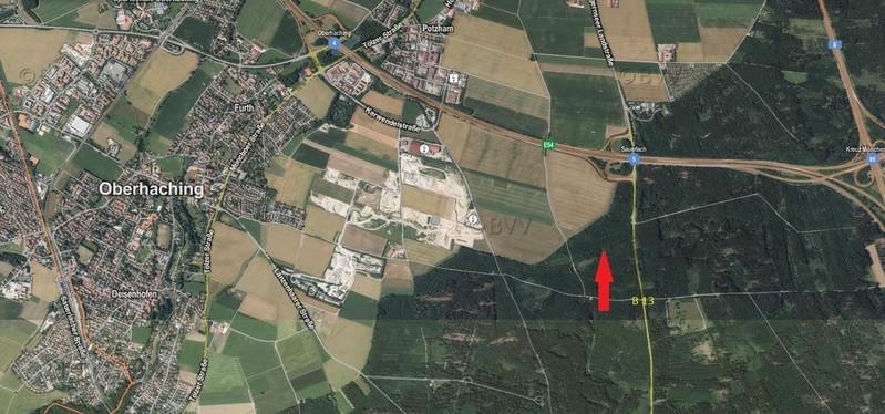 landkarte mit rotem pfeil mit fundort der kleidungsstücke, © Fundort der Kleidungsstücke