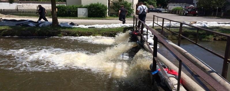 Hochwasser Aufräumarbeiten