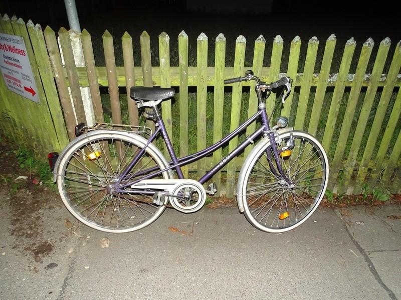 Täterinnen lassen Fahrrad am Tatort zurück, © Foto: Polizei