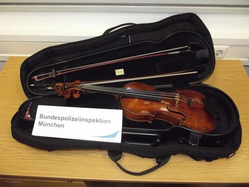 """""""Landolfi""""-Geige sichergestellt, Täter ermittelt, © Foto: Bundespolizei"""