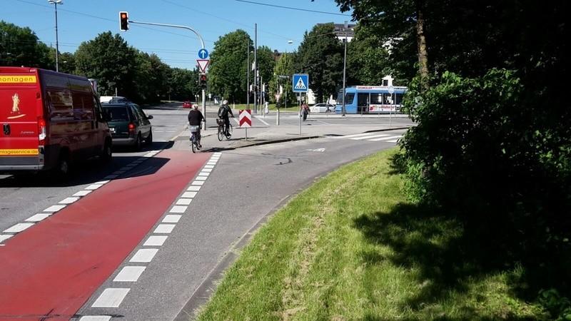die Kreuzung an der Dachauer Straße, an der sich der Unfall ereignete , © an dieser Kreuzung ereignete sich der Unfall