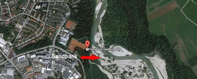 An dieser Sandbank wurden die Gegenstände des Jungen gefunden., © An dieser Sandbank wurden die Gegenstände des Jungen gefunden. (Foto: Polizei)