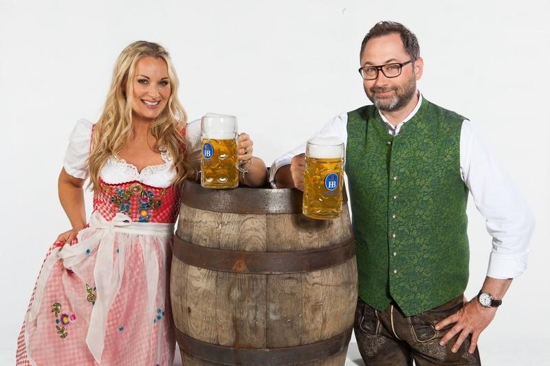 © Alex Onken und Eva Grünbauer moderieren die Wiesn-Live-Sendung -Foto: Dominik Münich