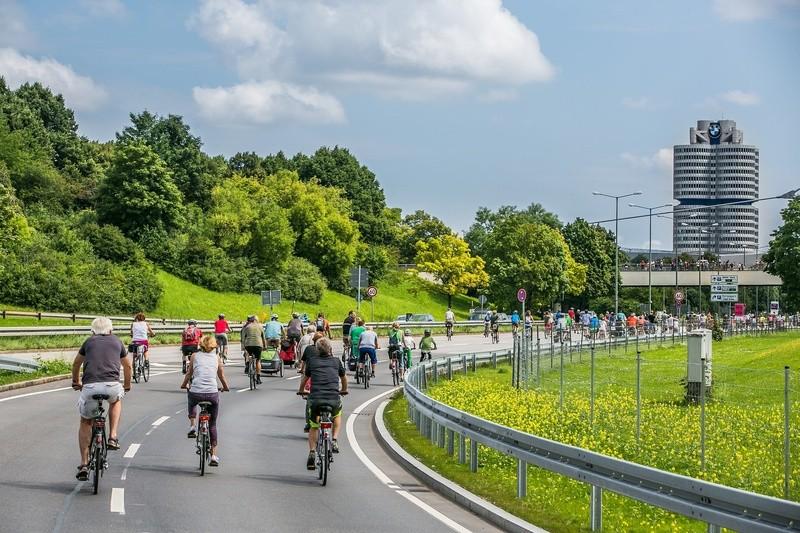Fahrradfahrer auf dem Mittleren Ring in München, © Radlhauptstadt München - Foto: Andreas Schebesta