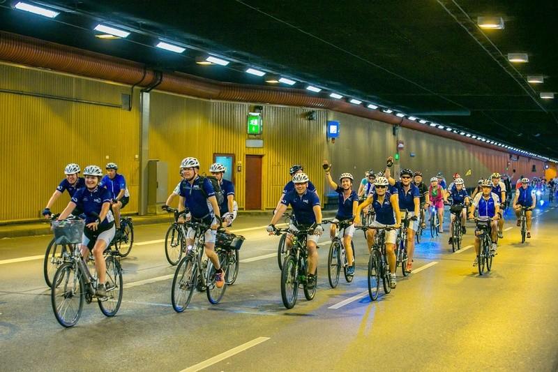 Fahrradfahrer auf dem Mittleren Ring in München im Tunnel, © Radlhauptstadt München - Foto: Andreas Schebesta