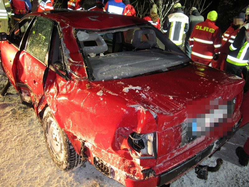 © Das geborgene Fahrzeug - Foto: Polizei