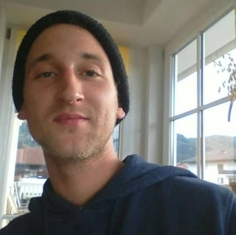 Michael Färbinger (26) wird seit dem 20. Dezember vermisst. Eine Selbstgefährdung schließt die Polizei nicht aus., © Michael Färbinger (26) wird seit dem 20. Dezember vermisst. Eine Selbstgefährdung schließt die Polizei nicht aus. Foto: Kripo Traunstein