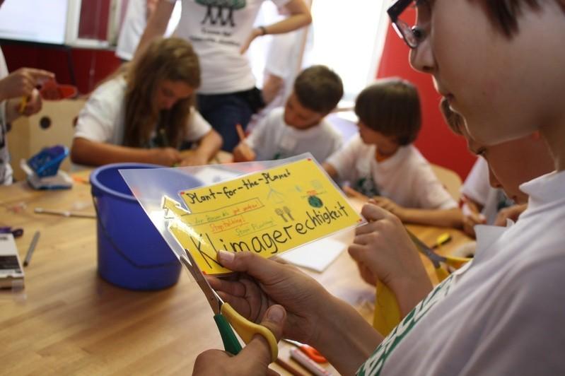 Die Kinder- und Jugend-Initiative Plant-for-the-Planet setzt sich für den Klimaschutz ein. , © Die Kinder der Umwelt-Initiative kämpfen für Klimagerechtigkeit. Foto: Plant-for-the-Planet
