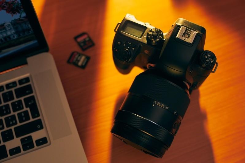 © Speicherkarten haben alten Filmrollen gegenüber klare Vorteile: Sie sind auf Dauer wesentlich günstiger und können immer wieder neu bespielt werden. So entstehen unendliche Kapazitäten für Fotos. Foto: fotolia.de ©diego cervo #84070255