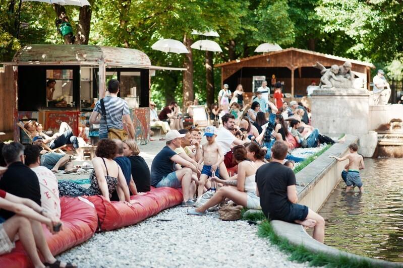 Kulturstrand der Urbanauten am Vater-Rhein-Brunnen in München, © Gabi Neeb