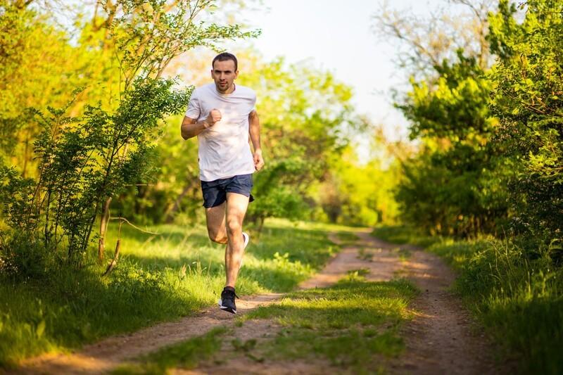 © Es ist das Zusammenspiel von Bewegung und ausgewogener Ernährung, das langfristig für eine gute Gesundheit sorgt. fotolia.com © Svetlana