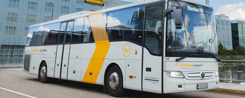Der Lufthansa Express Bus zum Münchner Flughafen, © Foto: Autobus Oberbayern GmbH