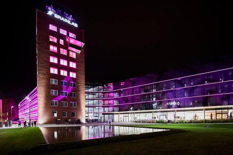 Brainlab-Tower in pink, © Foto: Holger Rauner