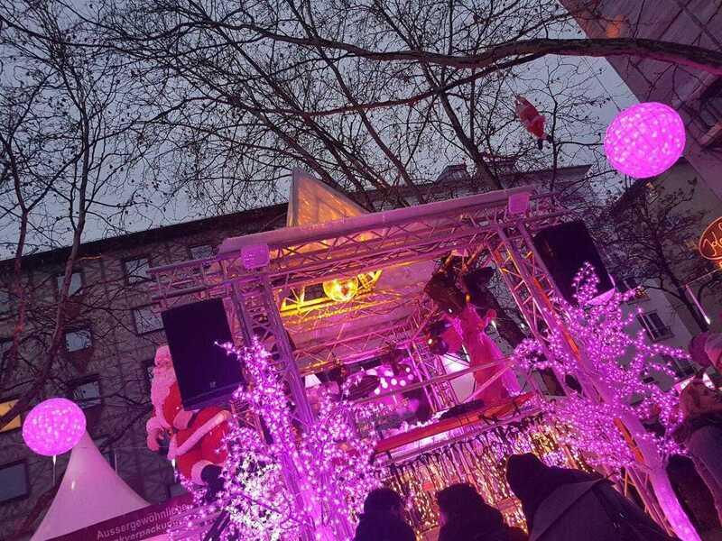Pink Christmas, © Pink Christmas