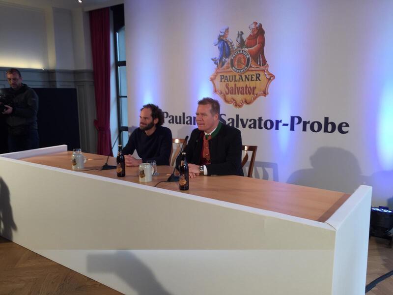 Maxi Schafroth und Paulaner-Chef bei der Presserunde