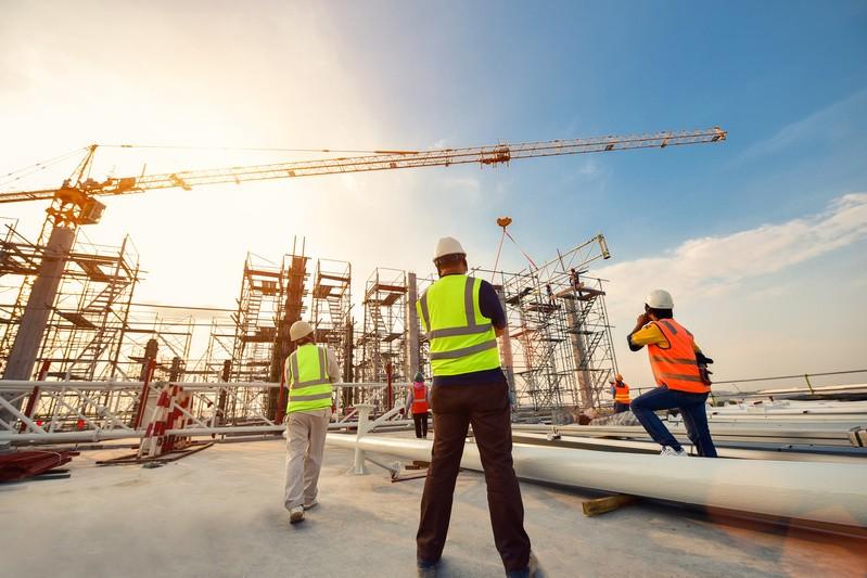 Baustelle, © Wichtigstes Ziel des niedrigen Leitzins ist es, die Wirtschaft zu ermuntern, sich Geld zu leihen, um es zu investieren und dadurch zu wachsen. fotolia.com © bannafarsai
