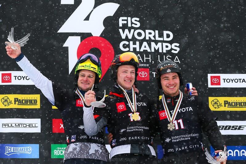 Stefan Baumeister auf dem Siegertreppchen, © © FIS Snowboard