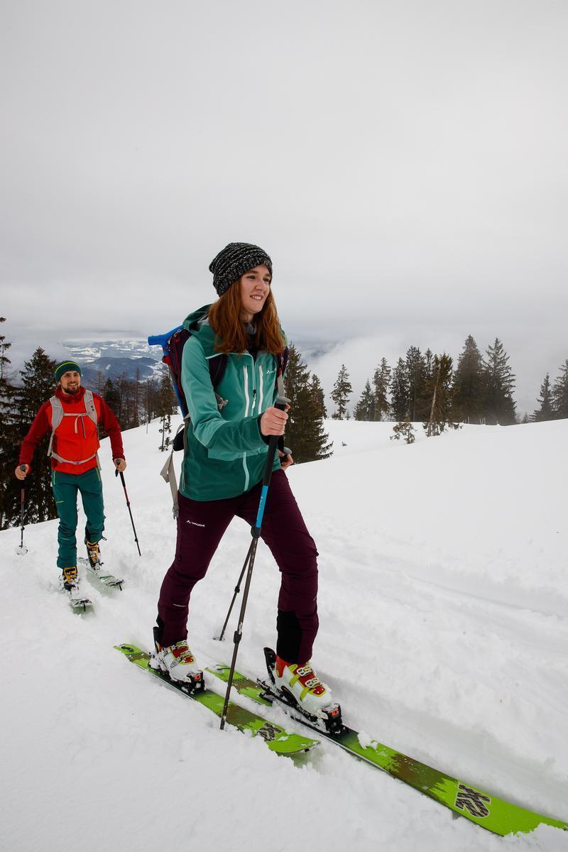 Tourengehen auf der Skipiste, © Foto: DAV/Marco Kost