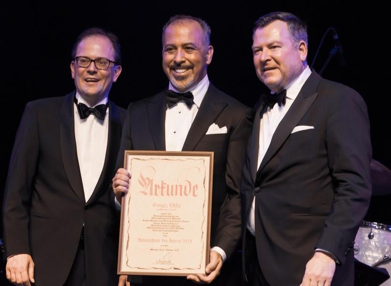Unternehmer des Jahres von München: Cengiz Ehliz (Bildmitte), mit Manuel Pretzl (l.) und Josef Schmid (r.)