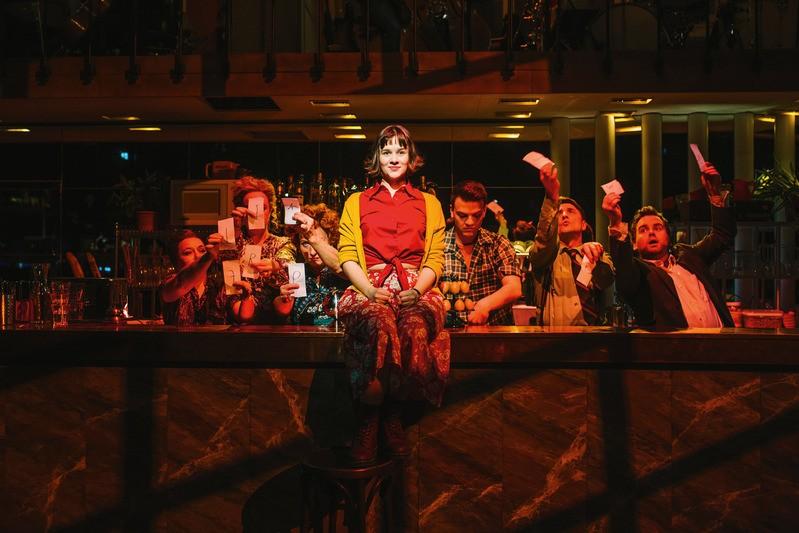 """Ein Szenebild aus dem Musical """"die wunderbare Welt der Amélie"""", © Stage Entertainment"""