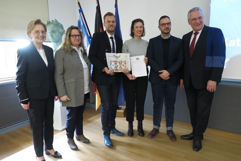 """Sieger Kategorie Bildung: ArrivalNews""""– Zeitung für Neubürger*innen der ArrivalAid gUG"""