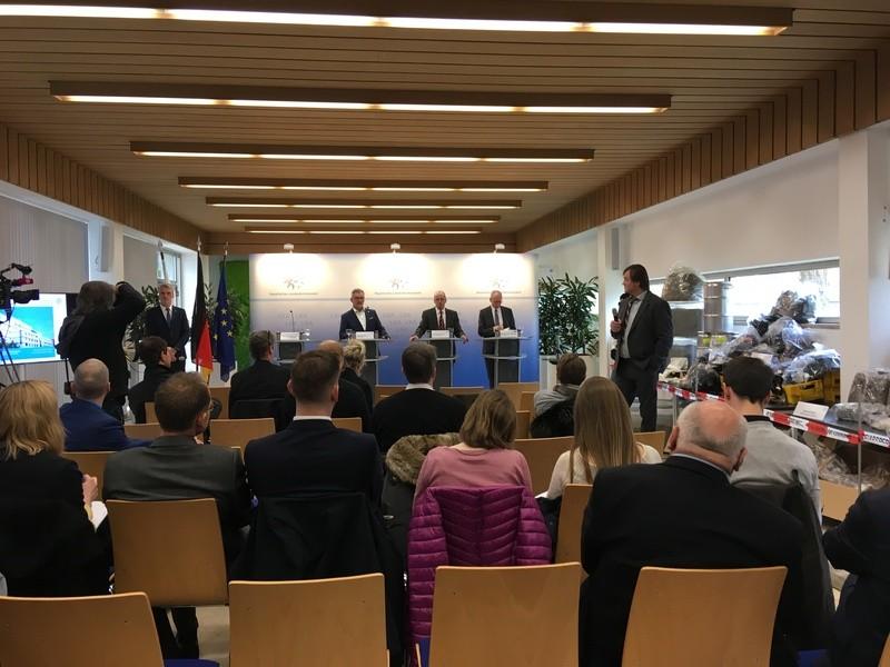 Pressekonferenz Drogenhändlerring mit Joachim Herrmann