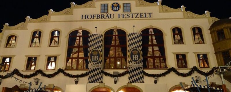 oktoberfest hofbräu festzelt wiesn bei nacht