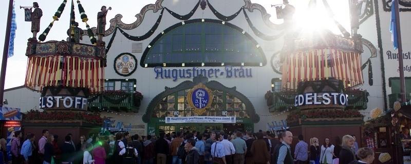 augustiner festhalle oktoberfest wiesn zelt eingang