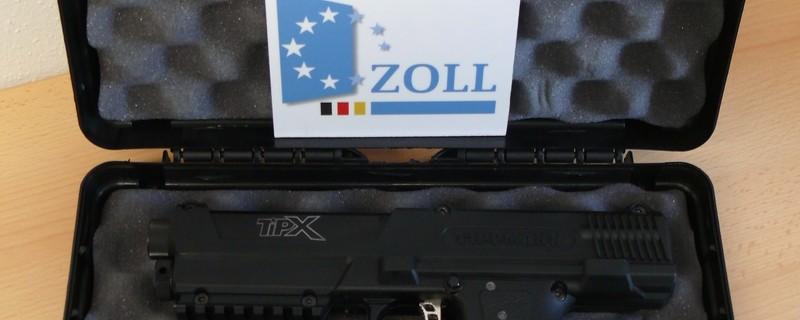 Beschlagnahmte Waffen vom Zollamt Garching-Hochbrück, © Foto: Zollamt Garching-Hochbrück