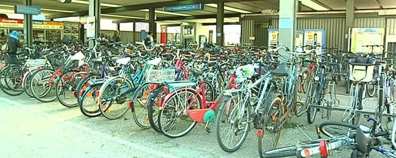 Viele Fahrräder werden an Stellplätzen gestohlen.