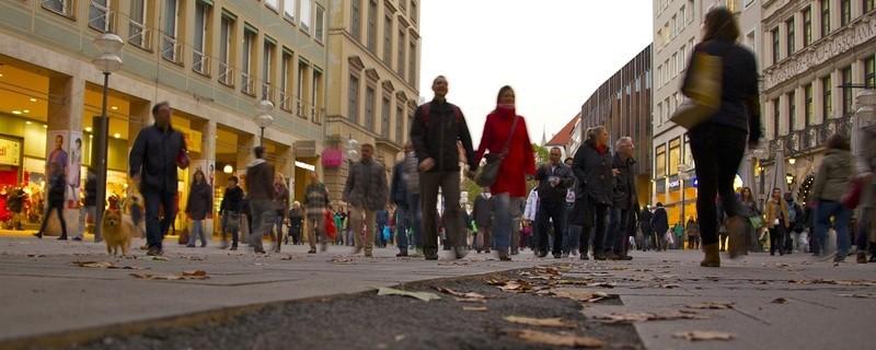 Einkaufen in München - Innenstadt - Handel - Läden - Geschäfte, © Einkaufen in der Münchner Innenstadt - Archivbild