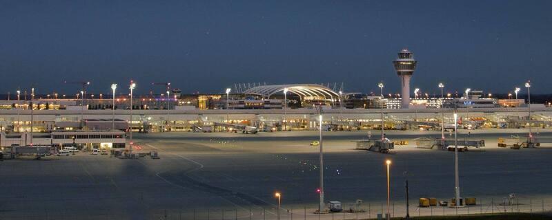 Flughafen München, © Der Münchner Flughafen - Bild: Foto Pixel by daniw