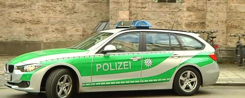 Münchnerin täuscht Bedrohung vor, © Münchnerin täuscht vor, dass sie bedroht wird und verständigt Polizei (Symbolfoto)