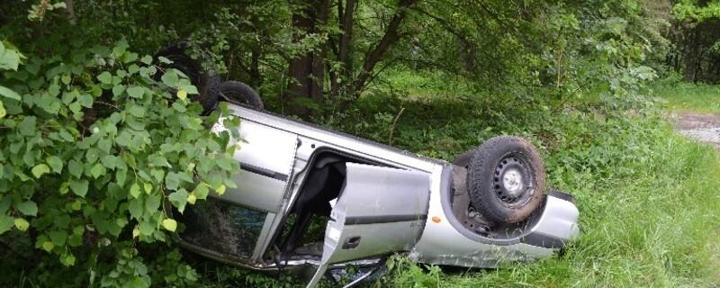 Ein Fahranfänger überschlagt sich in seinem Opel., © Foto: Polizei München