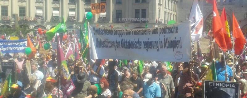 demo g7 stachus muenchen, © 35.000 Menschen haben in München gegen den G7-Gipfel demonstriert.