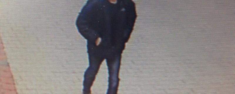 Fahndungsfoto Entführer Ottobrunn Westend, © Die Polizei sucht nach diesem Mann, der eine Frau aus ihrem Haus in Ottobrunn entführt haben soll