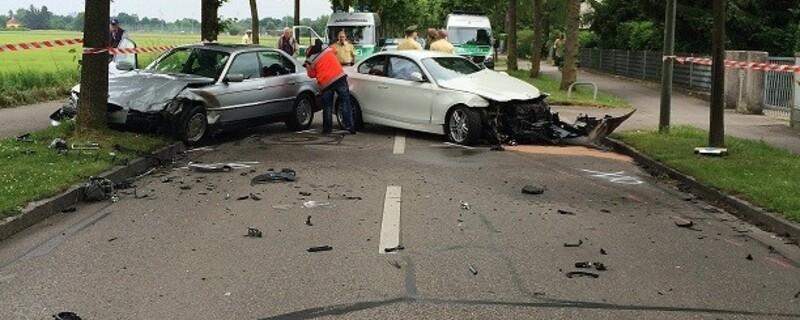 Unfall in Feldmoching. Pkw gerät in Gegenverkehr., © Foto: Polizei München