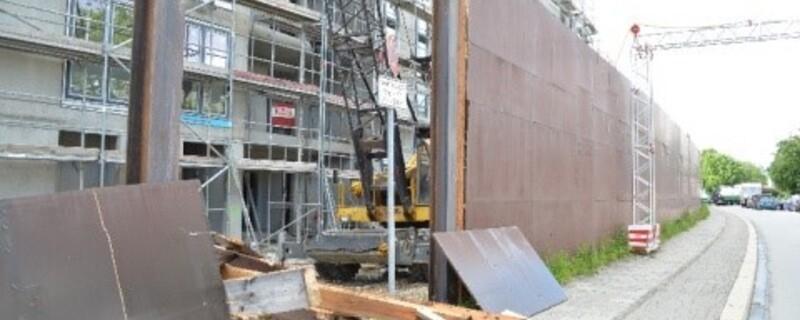 Hier passierte der tragische Unfall., © Hier passierte der tragische Unfall des Bauarbeiters. Foto: Polizei München