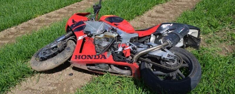 Ein tragischer Verkehrsunfall kostet einen Motorradfahrer sein Leben, © Symbolfoto