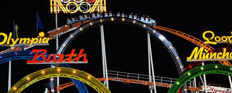 Oktoberfest Achterbahn Fünfer Looping Wiesn Nachts 2, © Der Olympia-Looping auf dem Oktoberfest